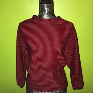 Cozy maroon ribbed sweater. Never worn!!!